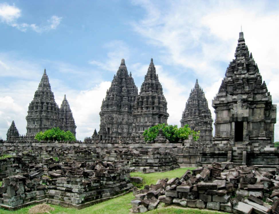Top 10 Countries you can travel on $30 a day - Indonesia